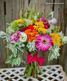 """homemade"" bouquet from farmers' market flowers. Zinnia Bouquet, Diy Wedding Bouquet, Diy Bouquet, Homemade Bouquet, Modern Wedding Flowers, Green Wedding, Summer Wedding, Wedding Plants, Flower Farmer"