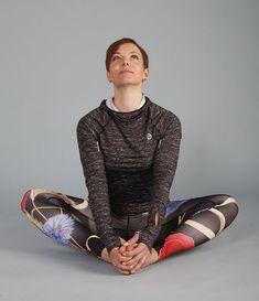 Cviky na uvolnění zad, pánve akyčlí - Novinky.cz Yoga Leggings, Health Fitness, Sporty, Exercise, Workout, Shoes, Women, Messi, Hobbit