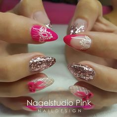 Pretty with Pink Nails!   #crystalnails #veralangeslag #nagelstudiopink #arnhem #glitterheaven #salonnailart #nailart #nails #pink #