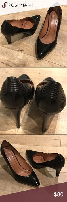 Hugo Boss vintage heels Vintage Hugo Boss patent leather heels with details on the heels. In amazing condition for such a vintage, one of a kind piece! Stunning, timeless, luxe, and chic. Hugo Boss Shoes Heels