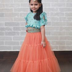 Indian Dresses For Kids, Mom And Baby Dresses, Baby Girl Party Dresses, Toddler Girl Dresses, Kids Frocks Design, Baby Frocks Designs, Kids Dress Wear, Kids Gown, Long Frocks For Girls