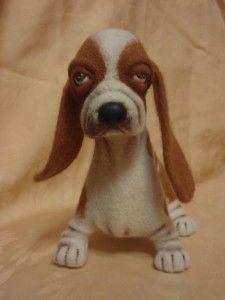 Adorable little needle felted Basset Hound.  Love his face.