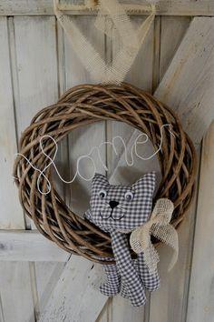 wreath cat
