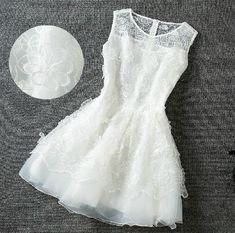Slim Embroidered Sleeveless Princess Dress