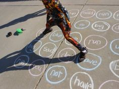 Twister with tricky words Teaching Sight Words, Sight Word Activities, Reading Activities, Literacy Activities, Teaching Reading, Spelling Activities, Outdoor Education, Outdoor Learning, Kids Education