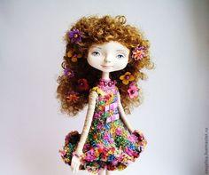 красивая авторская кукла