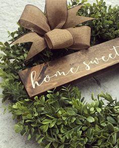 Diy spring wreath - White Magnolia Floral Boxwood (Made to Order) – Diy spring wreath Diy Spring Wreath, Diy Wreath, Wreath Ideas, Christmas Diy, Christmas Decorations, Christmas Videos, Outdoor Decorations, Handmade Christmas, Boxwood Wreath