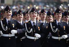 St Petersburg, Venemaa Politseikadett marsivad Palace Square ajal võidupüha sõjaväeparaadi