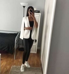 Dressy Outfits, Simple Outfits, Chic Outfits, Winter Fashion Outfits, Look Fashion, Collage Outfits, Cute Outfits With Leggings, Legging Outfits, Mode Ootd