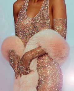 """So, what's everyone wearing tonight?"" #ValentinesDay #Rihanna #pinkfur"