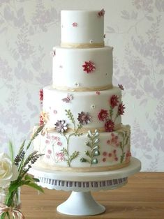 Beautiful Cake Pictures: Pretty Wild Flowers Tiered White Cake: Birthday Cakes, Cakes with Flowers, Wedding Cakes Wedding Cakes With Cupcakes, Wedding Cakes With Flowers, Beautiful Wedding Cakes, Gorgeous Cakes, Pretty Cakes, Amazing Cakes, Cupcake Cakes, Wild Flower Wedding, Cakes To Make