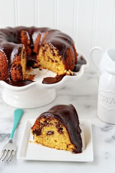 A simple and delicious chocolate chip bundt cake drenched in chocolate glaze. Baking Recipes, Cake Recipes, Dessert Recipes, Bunt Cakes, Cupcake Cakes, Cupcakes, Chocolate Bundt Cake, Chocolate Glaze, Just Desserts