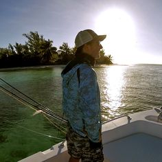 Sunrise in Paradise!  @flycastaway  #sunrise #saltwaterfishing #flyfishingtravel #aosfishing #flyfishing #fliegenfischen #pescamosca #graz #styria #steiermark #onlineshop #picoftheday #photooftheday #lovefishing #austria #catchandrelease #saltwaterfishing #saltwater #saltlife #onthefly #seychelles #yesorivs #grouper #farquhar #pelagicgear