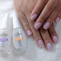 o segredo é os esmaltes misturados Cuticle Care, Manicure E Pedicure, Toe Nail Designs, Nail Bar, Shellac, Toe Nails, Wedding Nails, Nail Polish, Make Up