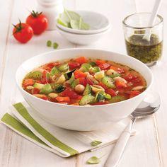 Soupe minestrone - Les recettes de Caty Chow Mein Au Poulet, Diet Plans For Men, Thai Red Curry, Salsa, Lunch, Healthy, Ethnic Recipes, Parfait, Food