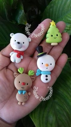 50 Cute Clay Craft Christmas Ideas Let's make Christmas crafts from clay ! We want to try to make a clay craft to celebrate a specia Polymer Clay Ornaments, Cute Polymer Clay, Cute Clay, Polymer Clay Projects, Polymer Clay Charms, Polymer Clay Creations, Clay Crafts For Kids, Kids Clay, Family Crafts