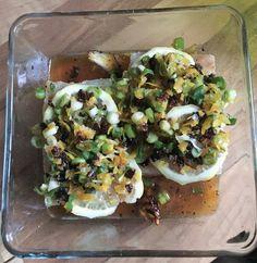 Zitronenfisch mit Tomaten-Lauch-Gremolata - funktioniert auch mit Hähnchen!