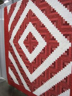 2010 Austin Area Quilt Guild red and white log cabin