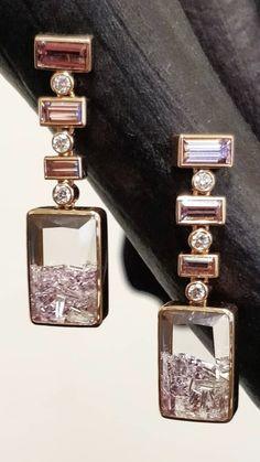 Gift for girlfriend - gorgeous photo Ear Jewelry, Jewelry Box, Jewelry Accessories, Fine Jewelry, Jewelry Design, Bling Bling, Schmuck Design, Statement Earrings, Dangle Earrings