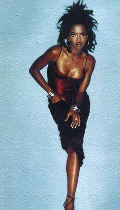Lauryn Hill has beautiful skin Black Girl Magic, Black Girls, Estilo Hip Hop, Meagan Good, Foto Fashion, Fashion Shoot, Vintage Black Glamour, Pelo Natural, Black Girl Aesthetic
