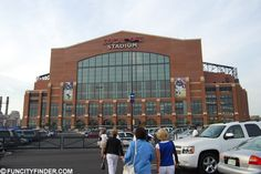 Photograph of the Exterior of Lucas Oil Stadium Football Stadiums, Lucas Oil Stadium, Peyton Manning, Super Bowl, Photograph, Walking, Street View, Exterior, Fotografie