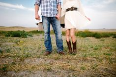rustic engagement session in Wyoming by Squaresville Studios