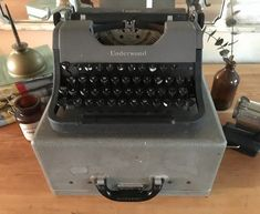 Working Typewriter, Typewriter For Sale, Antique Typewriter, Portable Typewriter, Underwood Typewriter, Vintage Typewriters, Clean Machine, Black Ribbon, Lower Case Letters