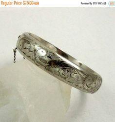 BLACK FRIDAY SALE Vintage Hinged Bangle Bracelet, Sterling Silver, Victorian Style, Engraved Bracelet, Birmingham 1973