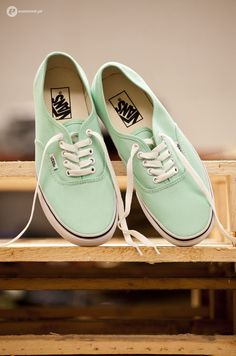 The colour mint is so in right now and I really want a pair of these