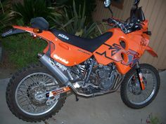Off Road Bikes, Dirt Bikes, Ktm Adventure, Enduro Motocross, Cars And Motorcycles, Trail, Therapy, Racing, Street