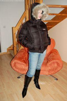 Bilder til Puhovik Fetish Best Winter Jackets, Puffer Jackets, Puffer Coats, Down Suit, Winter Suit, Shiny Leggings, Fur Collars, Jacket Style, Fashion Boots