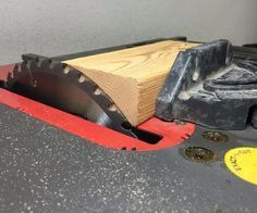 Tune Up Your Table Saw With a 2x4