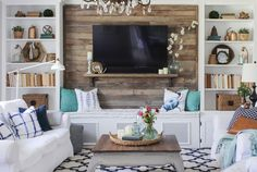 99 DIY Farmhouse Living Room Wall Decor and Design Ideas - French Living Rooms, French Country Living Room, Living Room Tv, Cozy Living, Small Living, Coastal Living, Modern Living, Home Renovation, Design Commercial