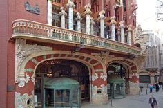 The Palau de la Música Catalana is an architectural jewel of Catalan Art Nouveau, the only concert venue in this style to be listed as aWorld Heritage Site byUNESCO.