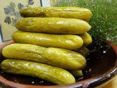 Okurky kvašáky - | Prostřeno.cz Czech Recipes, Ethnic Recipes, Preserves, Pickles, Cucumber, Sausage, Food And Drink, Canning, Vegetables