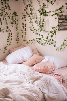 The pink bedroom looks amazing that most of us use the color for the nursery room, girl's room, and others. Read Lovely Pink Bedroom Design Ideas That Inspire You My New Room, My Room, Room Ideas Bedroom, Nature Bedroom, Magical Bedroom, Modern Bedroom, Rose Bedroom, Bedroom Simple, Stylish Bedroom