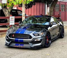 Create a Mustang Shelby gt 500 super snake here a lot of choices Ford Mustang Shelby Gt500, Ford Shelby, Mustang Cars, Mustang 2010, Car Ford, Ford Trucks, Ford Gt, Us Cars, Sport Cars
