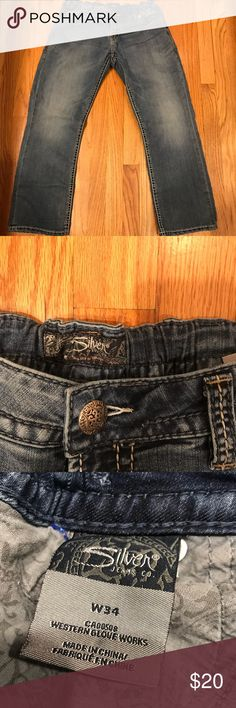 "Silver Jeans, waist size expands from 28-34"" Cute light wash Silver ankle/cropped jeans with stretchy waistband.  Fits a size 28""-34"" waist, depending upon how far you want to stretch it.  (These are my ""Eatin' Pants!"")  Rise:  7.5"" Inseam: 25.5"" Silver Jeans Jeans Ankle & Cropped"