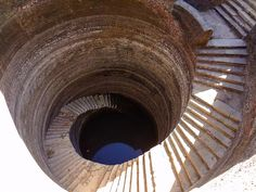 Journalist Spends Four Years Traversing India to Document Crumbling Subterranean Stepwells in India Before they Disappear - Album on Imgur
