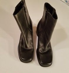 Naturalizer Black Leather Boots Rounded Square Toe Block Heel Ankle Zip Size 7.5