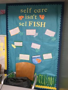 College Bulletin Boards, Interactive Bulletin Boards, Birthday Bulletin Boards, Resident Assistant Programs, Dorm Themes, School Nurse Office, Ra Bulletins, Ra Boards, Res Life