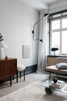 Recamier: know what it is and how to use it in decoration with 60 ideas - Home Fashion Trend Minimalist Home Interior, Scandinavian Interior Design, Decor Interior Design, Interior Decorating, Scandinavian Living, Swedish Design, Diy Interior, Home Living Room, Living Room Designs