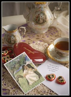 Regala siempre mucho AMOR, con UNA VIDA Y UN AMOR el regalo para la persona amada, que puedes tener en tu domicilio dedicado por el Autor. http://kokoroalmapoesia.blogspot.com.es/p/mi-libro.html