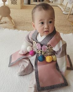 .Korean Hanbok.