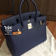 Find tips and tricks, amazing ideas for Hermes handbags. Discover and try out new things about Hermes handbags site New Handbags, Hermes Handbags, Luxury Handbags, Fashion Handbags, Purses And Handbags, Fashion Bags, Cheap Handbags, Fashion Fashion, Runway Fashion