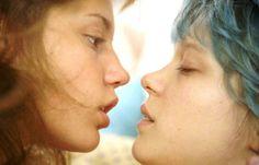 """Les meilleures adaptations littéraires de l'année 2013 La vie d'Adèle, d'Abdelatif Kechiche.  La Palme d'Or 2013 est l'adaptation libre de l'album de Julie Maroh """"Le bleu est une couleur chaude."""""""