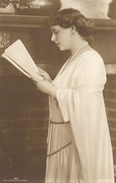 Queen Marie of Romania Gallery / M. Mary I, Queen Mary, Royal Fashion, Fashion Over, Romanian Royal Family, Ferdinand, Amen, Royalty, Descendants