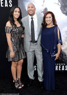 Dwayne Johnson at the LA premiere of San Andreas with his mom Ata, and daughter Simone. (27 May 2015)