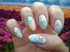 Multi pastel polishes, magic white glitter spray (nailways), stamp plate HK07 , multi colors magic stones aliexpress, top coat Moyra