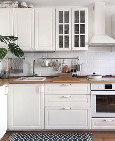 home decor ideas kitchen Home Decor Kitchen, New Kitchen, Home Kitchens, Kitchen Dining, Modern Kitchen Design, Interior Design Kitchen, Dining Wall Decor, Indian Home Decor, Kitchen Remodel